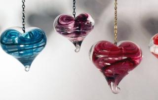 Coeur suspendu par Lisanne Lachance Photo de l'artiste